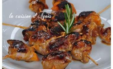 brochettes de canard aux abricots sauce aigre douce à l'orange