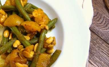 Poêlée de haricots verts et mangue, sauce aux épices et graines de soja
