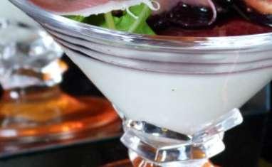 Panna cotta de chèvre, réduction de vin rouge, figues et jambon de Parme