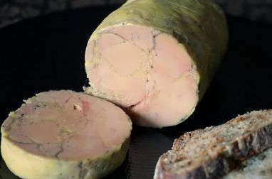 Ballotine de foie gras nature pochée
