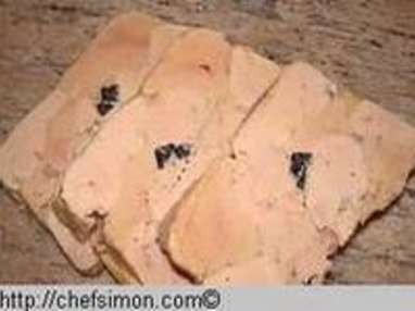 Terrine de foie gras mi-cuit truffée