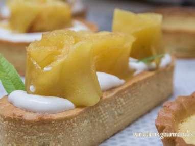 """Tartelettes """"éclairs"""" aux pommes """"boutons de roses"""""""