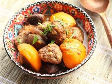 Boulettes d'agneau aux abricots frais