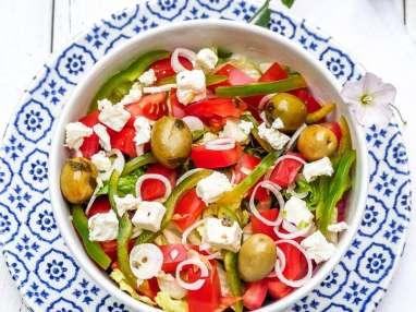 Salade grecque sauce tzatziki