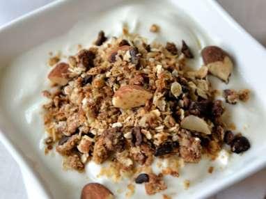 Granola à la noix de coco et éclats de cacao