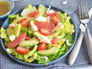 Salade de crabe avocat et pamplemousse