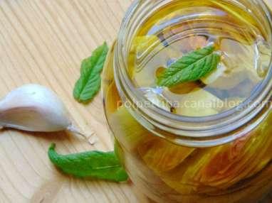 Bocaux d'artichauts marinés à l'huile d'olive