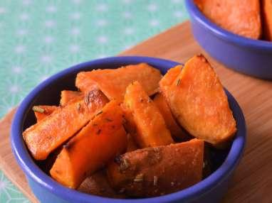Patate douce rôtie à la moutarde au miel et au romarin