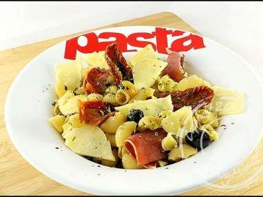 Pâtes au jambon cru et tomates séchées