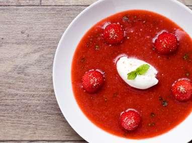 Soupe de fraises au sucre à la menthe