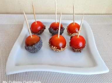 Tomates cerises façon pommes d'amour au caramel à l'orange sanguine