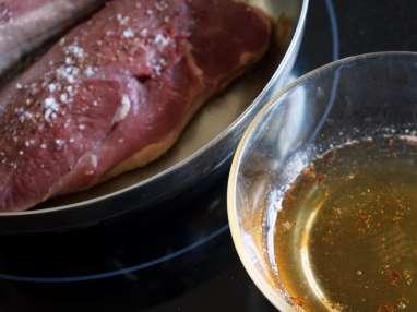 Magret de canard sauté au vinaigre de framboise - Etape 3