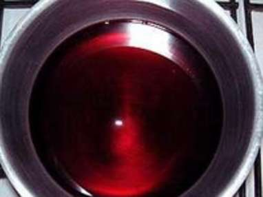 Poires pochées au vin rouge - Etape 1