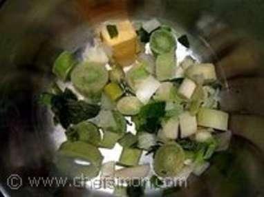 Potage aux topinambours et salade de saison - Etape 1