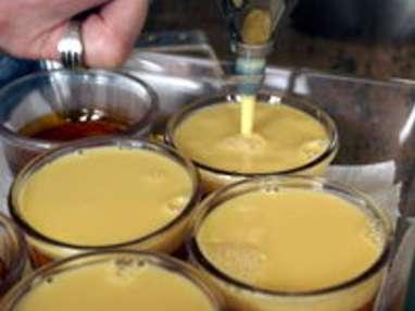 Chemiser un moule au caramel - Etape 8