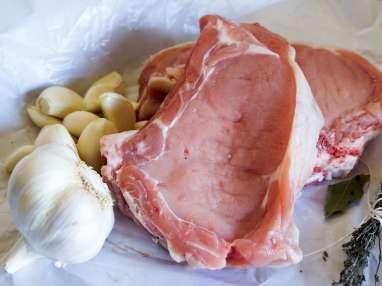 Côtes de veau à la gousse d'ail - Etape 1