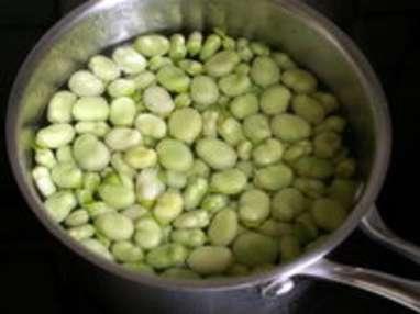 Noix de saint Jacques sur crème de fèves - Etape 1