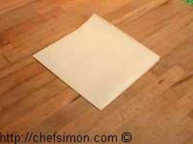 Découper un disque de papier sulfurisé - Etape 3