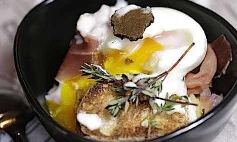 Crème de lard à la truffe et oeuf mollet