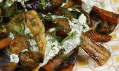 Légumes rôtis, sauce au roquefort