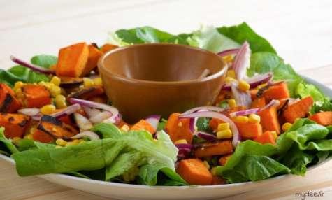 Une salade de patate douce cuite (vegan)