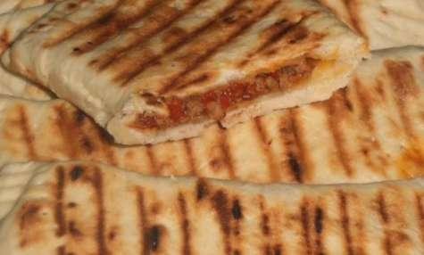 chaussons cuits à la poèle au hmiss et viande hachée