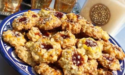 Biscuits sablés aux amandes et confiture de fraise