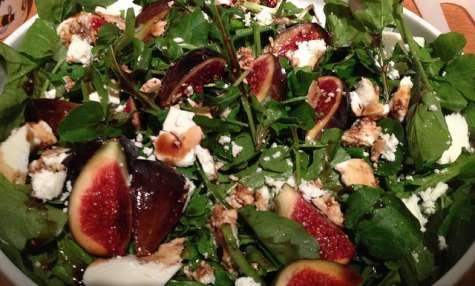 Salade composée aux figues, gorgonzola, sauce yaourt miel, moutarde et citron