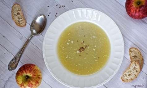 Une soupe au chou à la crème de coco vegan