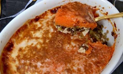 Gratin végétal à la patate douce, lentilles du Puy et tofu fumé