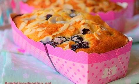 Mini-cakes aux myrtilles et framboises extra moelleux