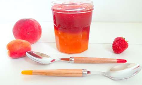 Confiture duo abricots-pêches, fraises