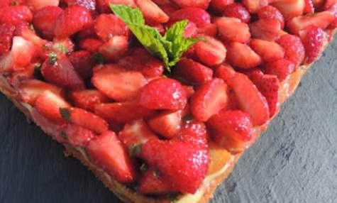 Tarte simplissime aux fraises et pêches