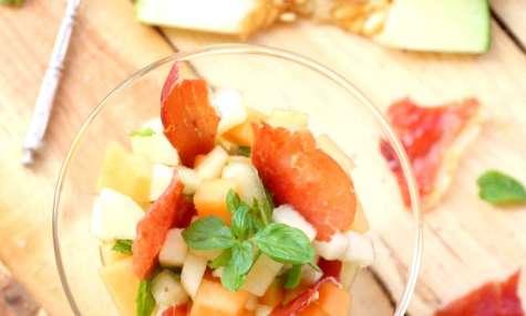 Tartare aux deux melons et chips de Serrano