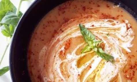 Soupe de poivrons rouges et chou-fleur rôtis