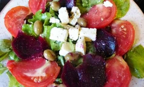 Salade de tomates et fromage de brebis