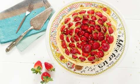 Tarte aux fraises, crème pâtissière et pistaches