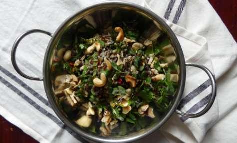 Salade de riz sauvage, poulet et légumes