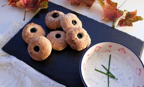 Petits pains à l'ail effrayants