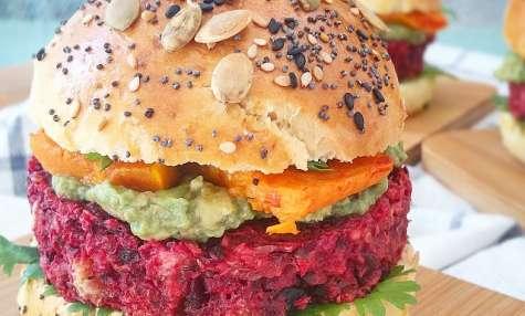 Burgers végétariens betterave, avocat, butternut, et buns maison