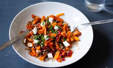 Salade d'automne : Sarrasin carottes aux épices grenade noisette et chèvre