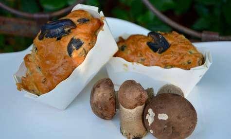 Cake aux cèpes, noix et parmesan