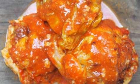 Chou farci à la sauce tomate