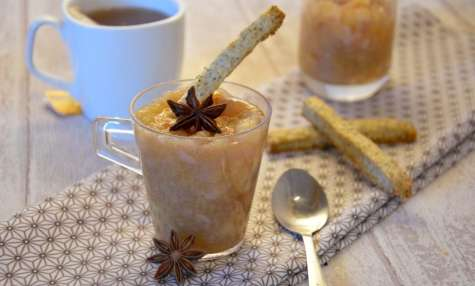 Compote pomme poire aux épices et sticks au thé