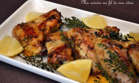Ailes de poulet grillées au paprika, miel, citron et thym