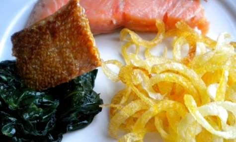 Saumon confit aux agrumes et croustillants de pommes de terre