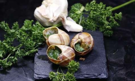 Escargots de bourgogne au beurre persillé en deux façons