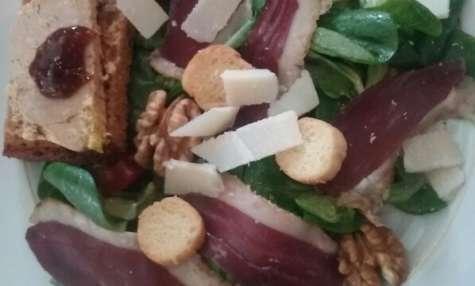 Salade composée de magrets et foie gras