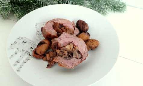 Épaule d'agneau roulée farcie au foie gras, boudin blanc, champignons et châtaignes