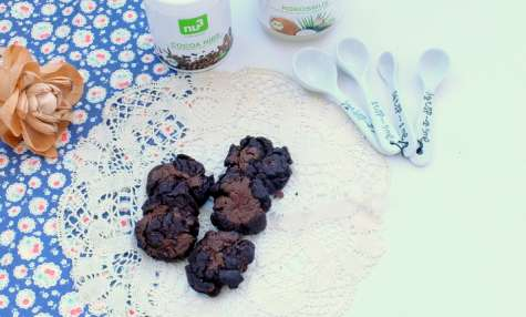 Biscuits au chocolat et eclats de feve de cacao